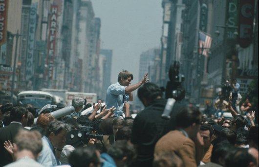 Robert  Kennedy en campagne (1/6)