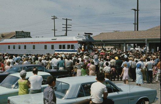 Robert Kennedy en campagne : le train électoral
