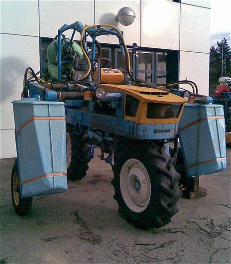 Un étrange tracteur!