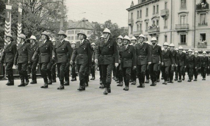 Sapeurs-pompiers GE, défilé 1970