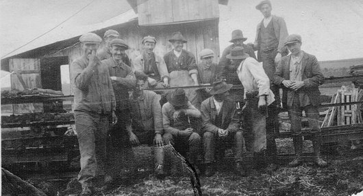 Lentigny, ouvriers de la tourbière