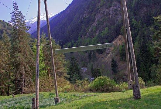 Ecran de cinéma dans le Val d'Anniviers.
