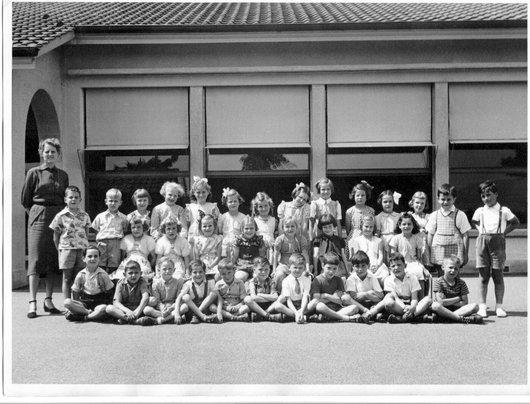 Louis à droite 1ère primaire Versoix 1951