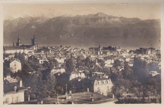 Lausanne - Vue générale et les alpes