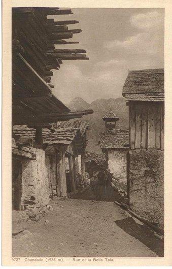 Chandolin, rue du village...