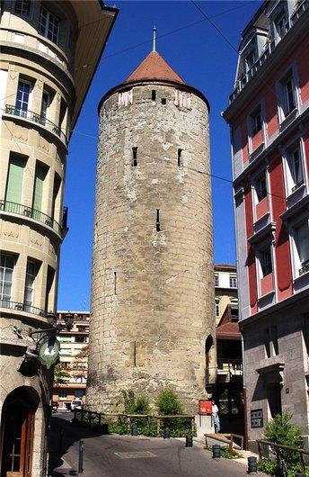 Fête populaire à la Tour de l'Ale à Lausanne