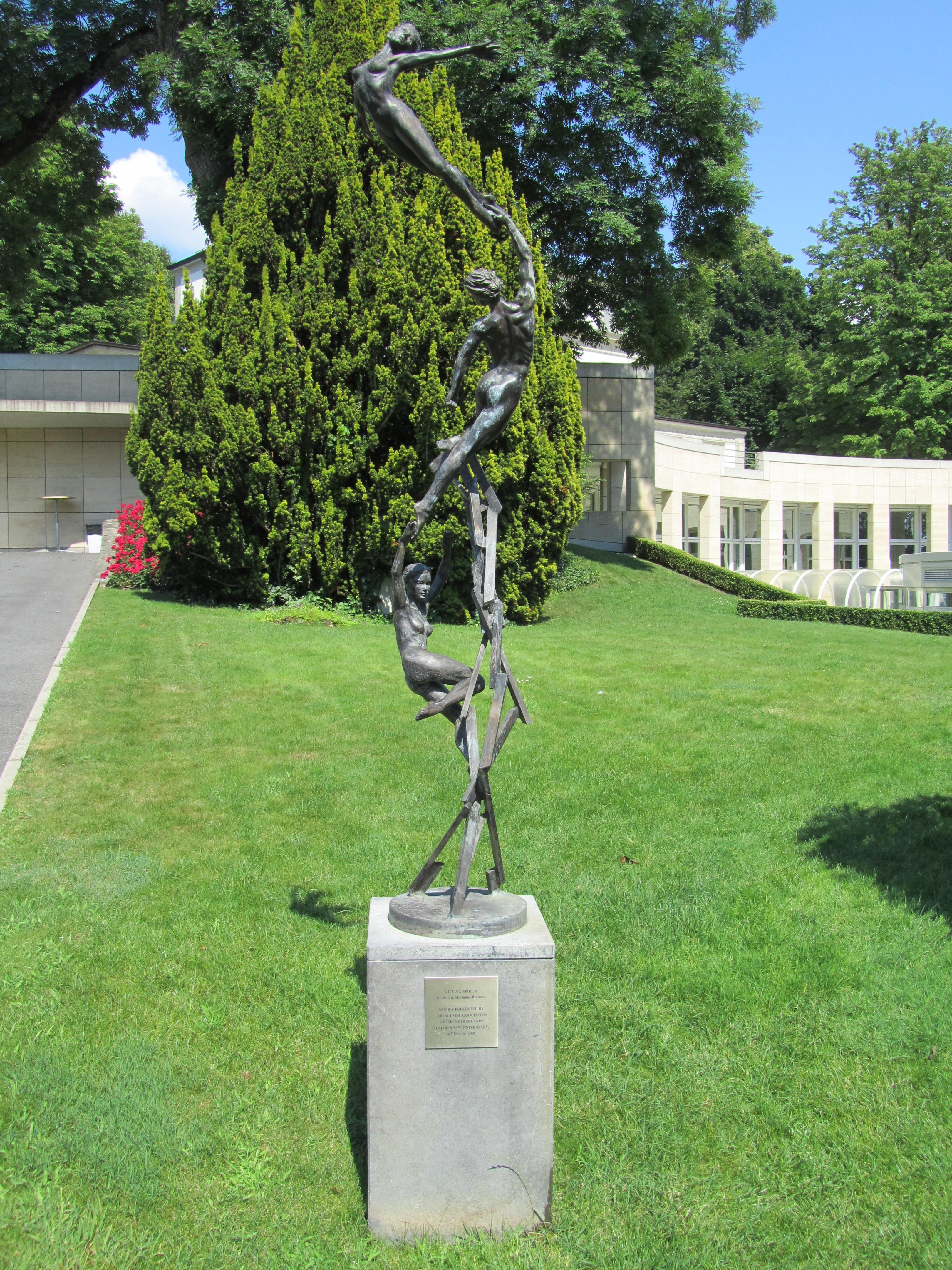 Lausanne IMD Sculpture de Jean et Marianne Bremers