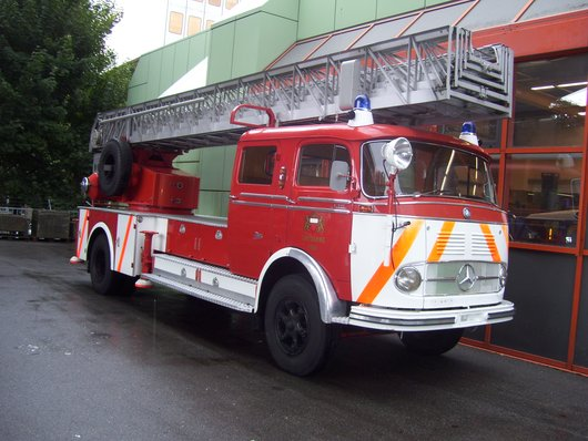 Ancienne échelle-automobile du Poste-Permanent de Lausanne