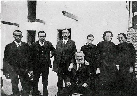 Famille Antoine Bornet avec Léonie, Fridolin...