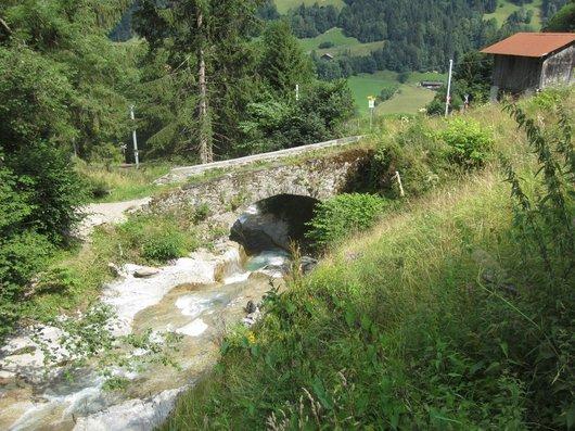 Champéry, pont sur le torrent de Chavalet