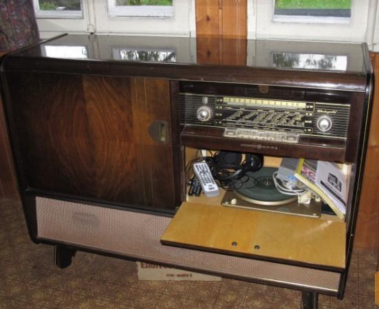 Meuble Radio Tourne Disques Notre Histoire