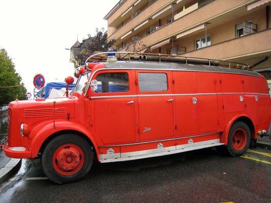 Camion de pompier d'un autre temps.....