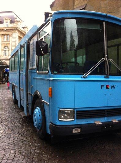 Bus de la police lausannoise donné aux Centre de Loisirs, FASEL