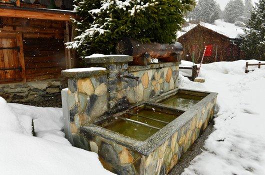 Fontaine de Mottec .