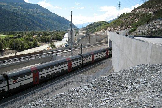 Tunnel de base du Lötschberg, portail sud