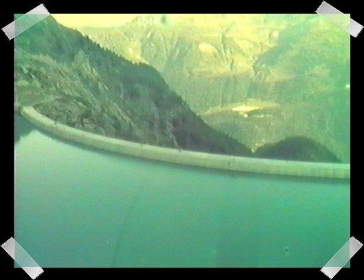 Le Lac et le Barrage de l'Hongrin vu du ciel