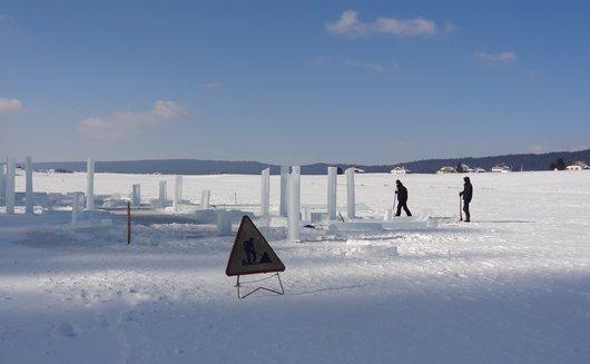 Travaux sur lac gelé