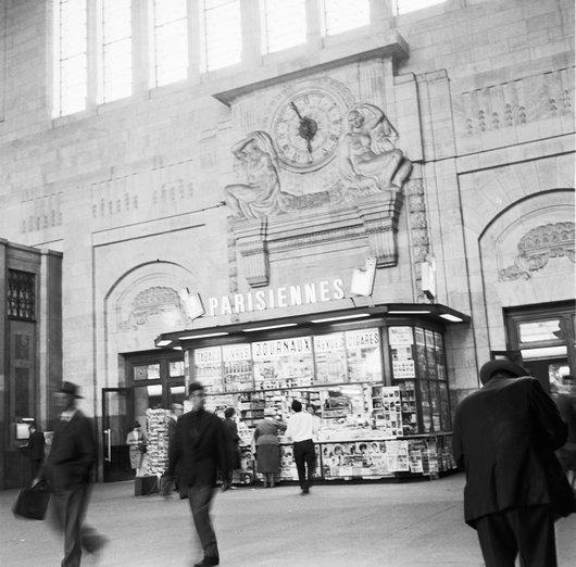 Kiosque, hall principal - Gare de Lausanne