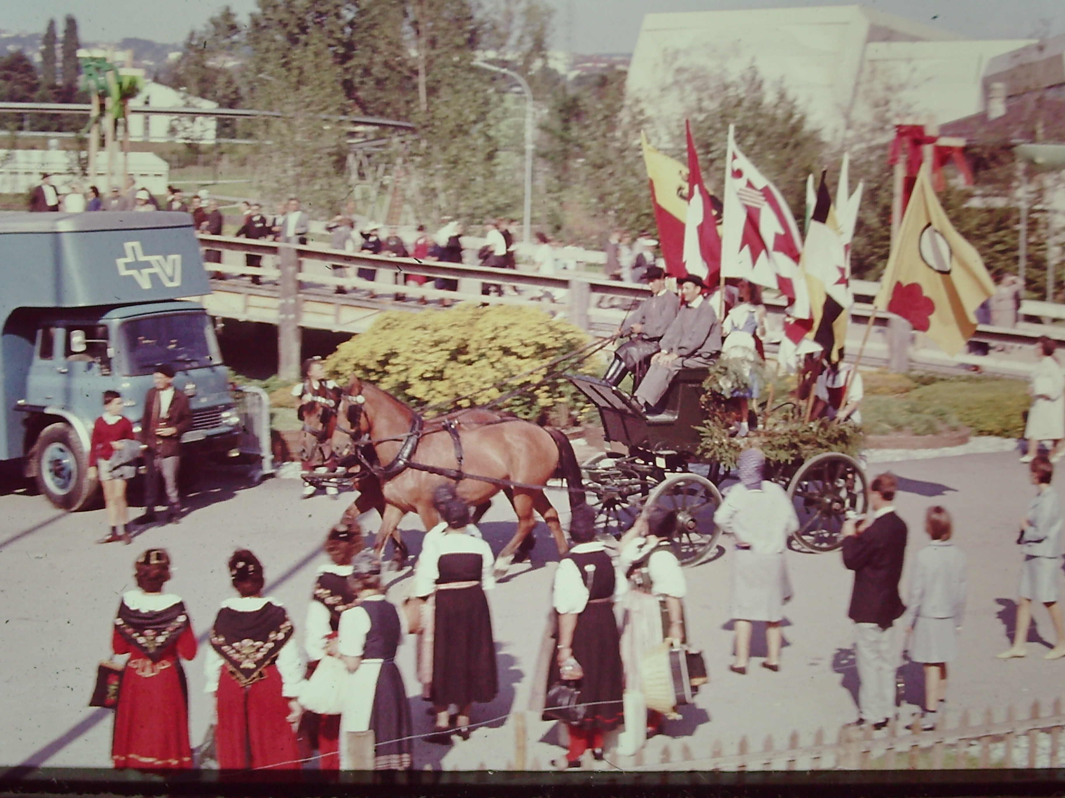 Expo 64 la journée des costumes
