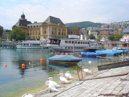 Le vapeur SS Neuchâtel transformé en Restaurant
