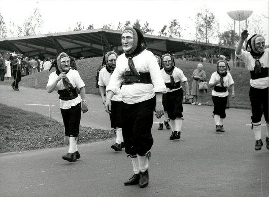 Costumes et Masques (2) - Expo 64
