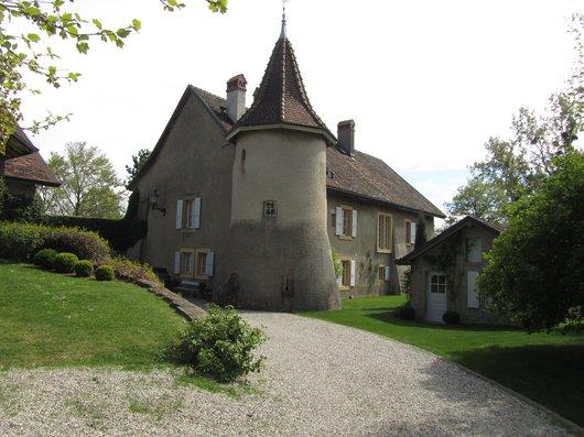 Senarclens le Château