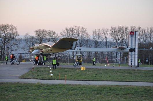 Solar Impulse se prépare pour un vol d'essai