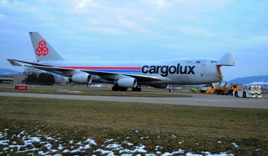 Un Boeing 747 Cargo sur le tarmac de Payerne
