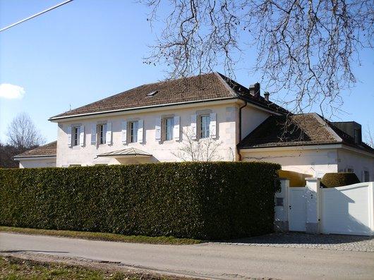 Ancienne Ecole de Choulex au Carre Actuellement en 2014