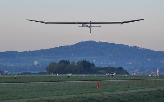 Solar Impulse au décollage - 1er vol d'essai de l'année 2011