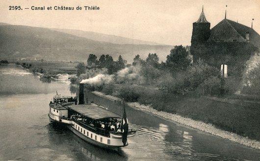 Le SS Helvétie dans le canal de la Thielle