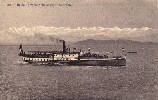 Le vapeur SS Helvétie sur le lac de Neuchâtel