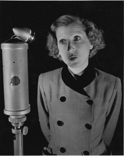 Mireille à Radio-Lausanne 1951
