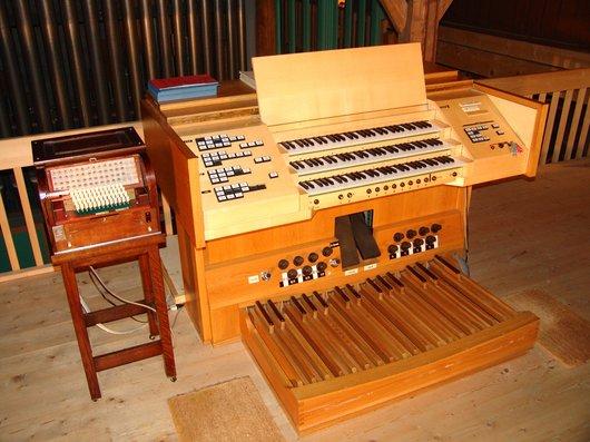 Le grand orgue Tschanun de la RSR renaît à Roche