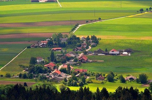 Le hameau de la Jonchère dans le Val-de-Ruz