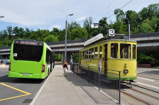 Tram et bus à Boudry