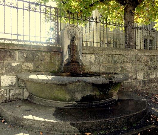 Fontaine à Saint-Roch
