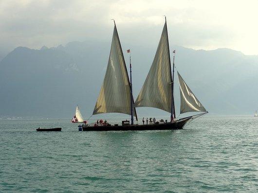 Barque «Neptune» au large de Vevey
