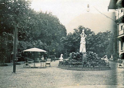 Grand hôtel d'Aigle, la grande statue