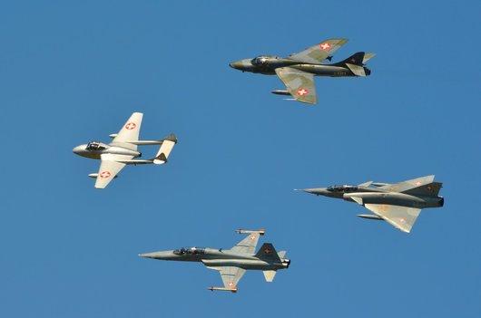 Air14 - Formation de quatre avions de l'Armée Suisse