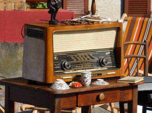 Poste de radio, mise en vente
