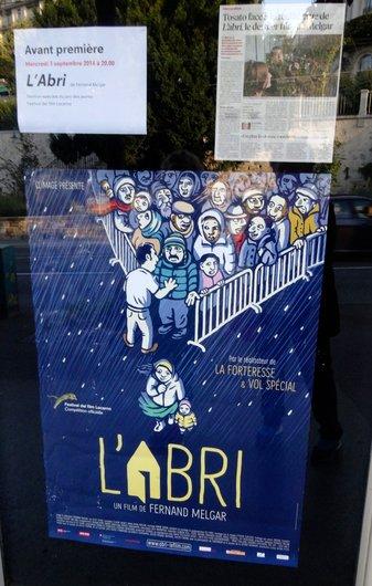 Affiche bleue dfu film l'Abri