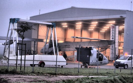 Solar Impulse sort du hangar