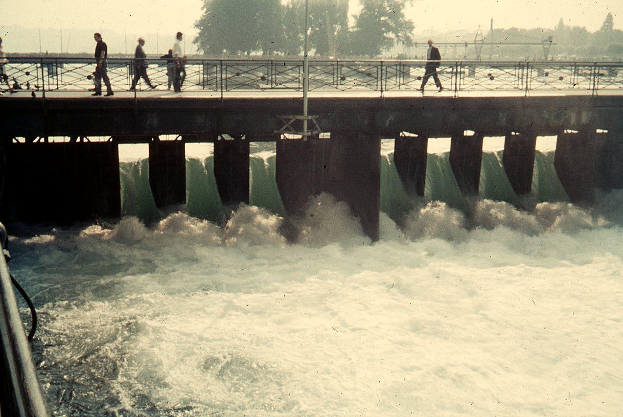 Genève - Vannes du pont de la Machine