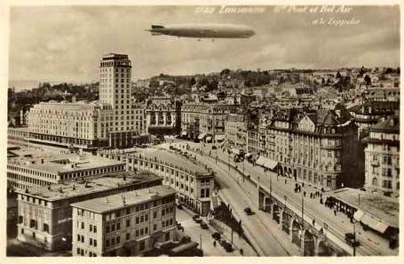 Zeppelin au dessus de la Tour Bel- Air