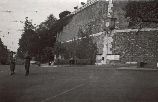 Genève Place Neuve angle Croix-rouge et Corraterie