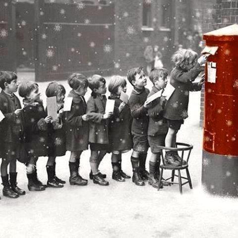 Les enfants écrivent au Père Noël......