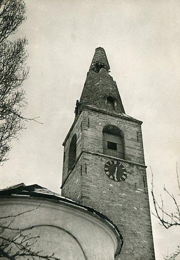Chalais, le clocher de l'église