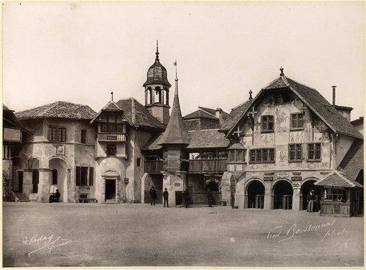 Le village suisse, la place
