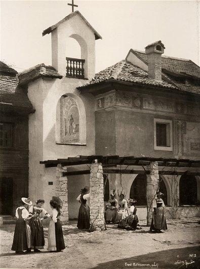 Le village suisse, femmes en réunion